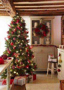 Le sapin de Noël artificiel haut de gamme